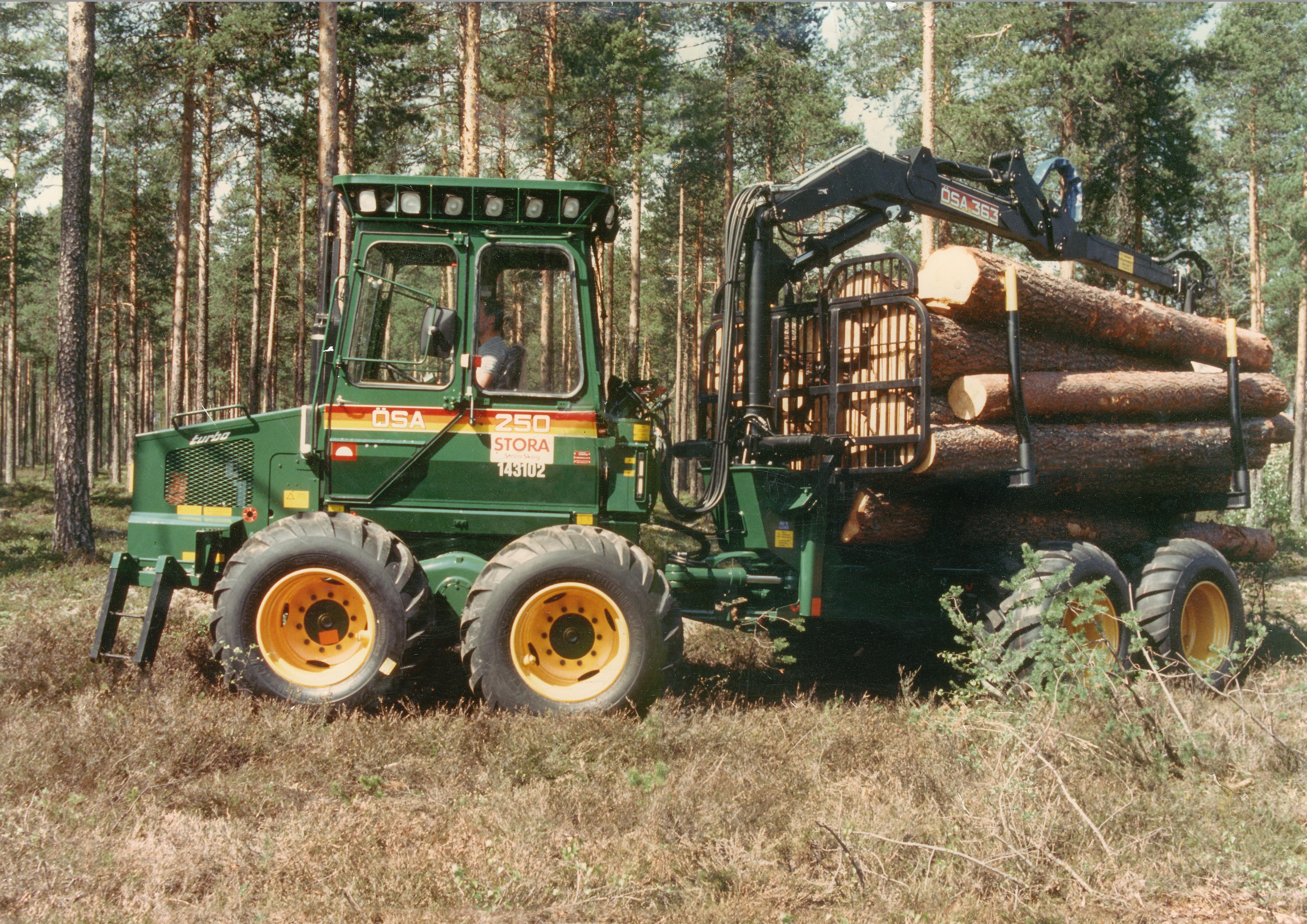 ÖSA 250 Skotare 8-hjul